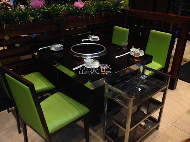 四川无烟火锅店怎么挑选火锅桌椅的款式